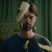 "FÉLIX DYOTTE UNVEILS A MUSIC VIDEO FOR ""LES SALADES DE L'AMOUR"""